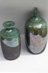 19 Raku vessels, 8-12cm high £50, £68.