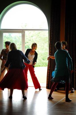 Circle Dancing 13