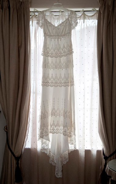 1920 style wedding dress