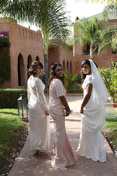 BRIDE AND FRIENDS MARRAKESH