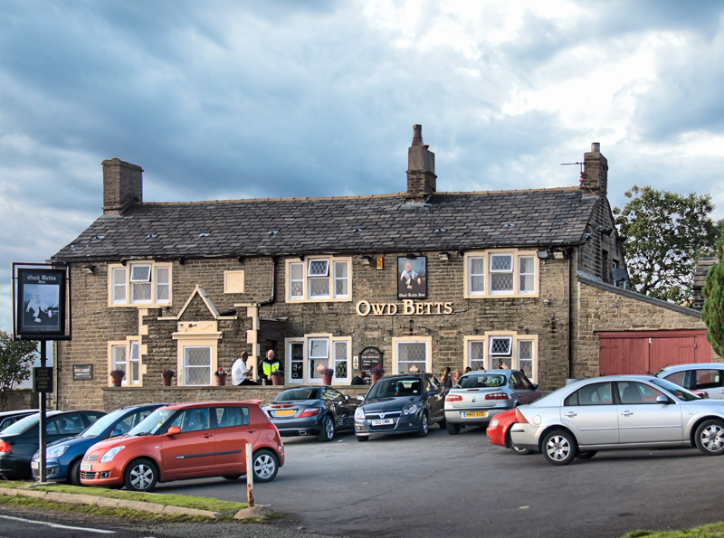 Owd Betts Inn, Norden