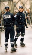 ROLLERBLADING POLICE (PARIS FRANCE)