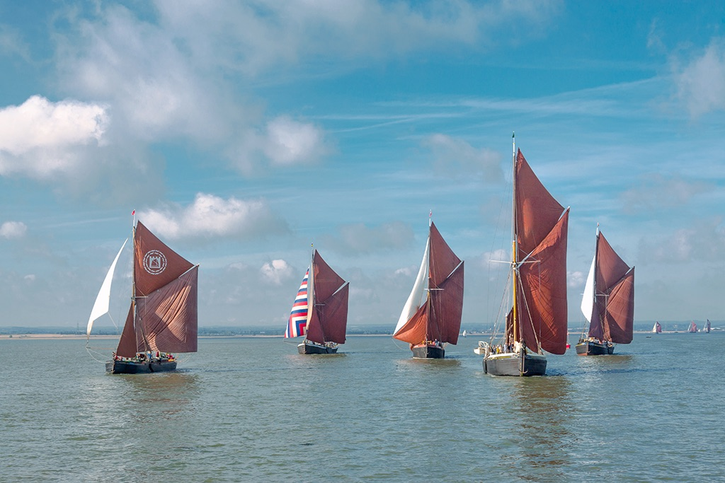 Heading for the buoy. Swale Match