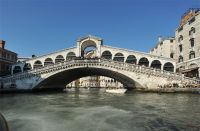 Rialto bridge from the bus.