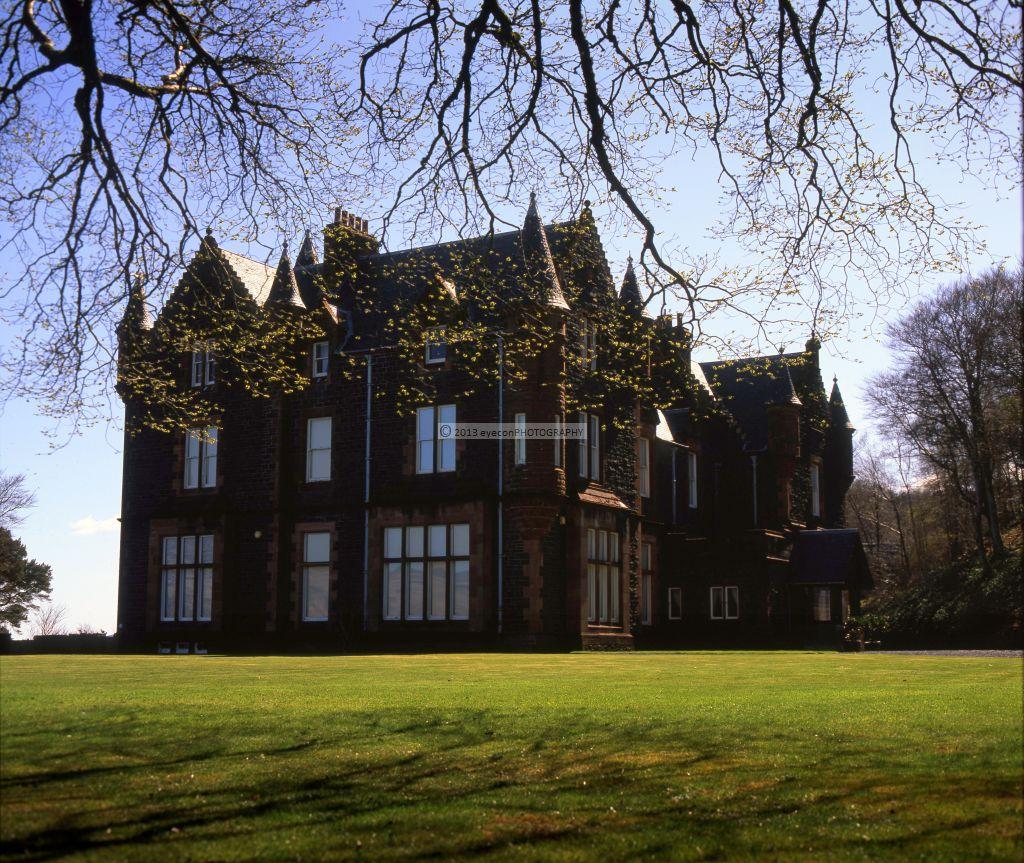 Dunlossit House