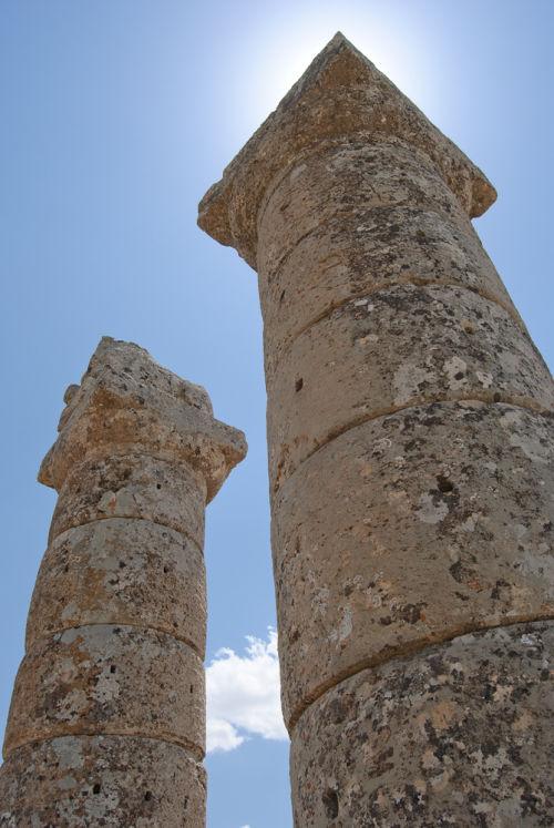 Columns at Karakus Tumulus