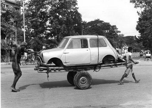 Mini on a handcart, Dhaka