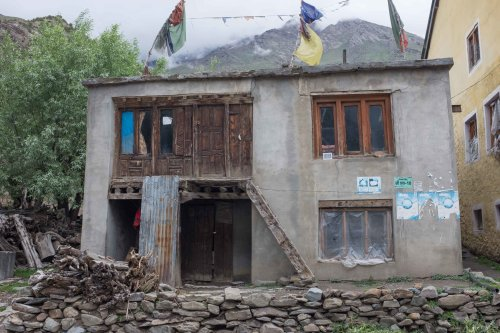 Old wooden house front in new extension, Jespa