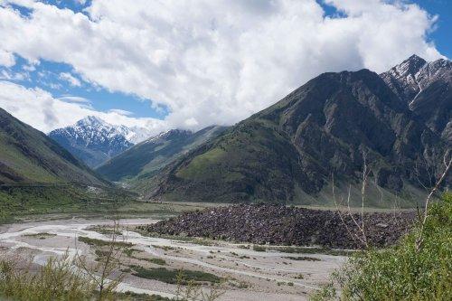 Towrads the Baralacha La pass