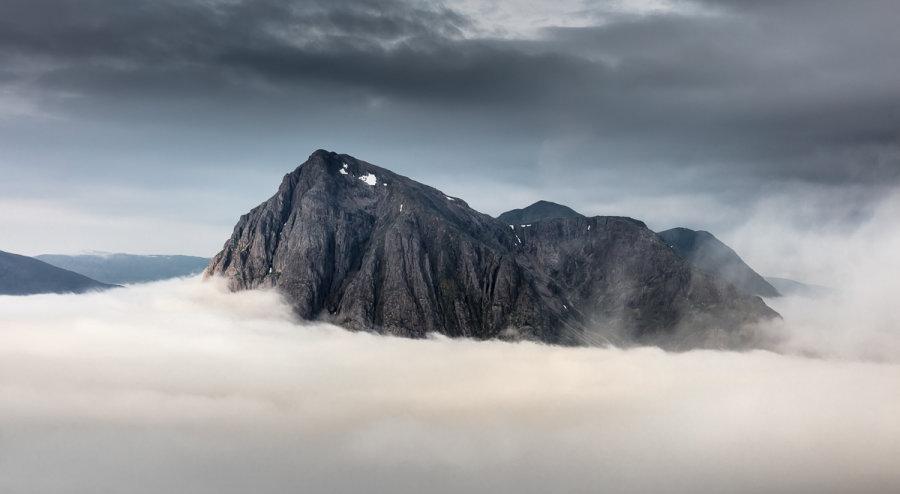Buachaille Etive Mor cloud inversion