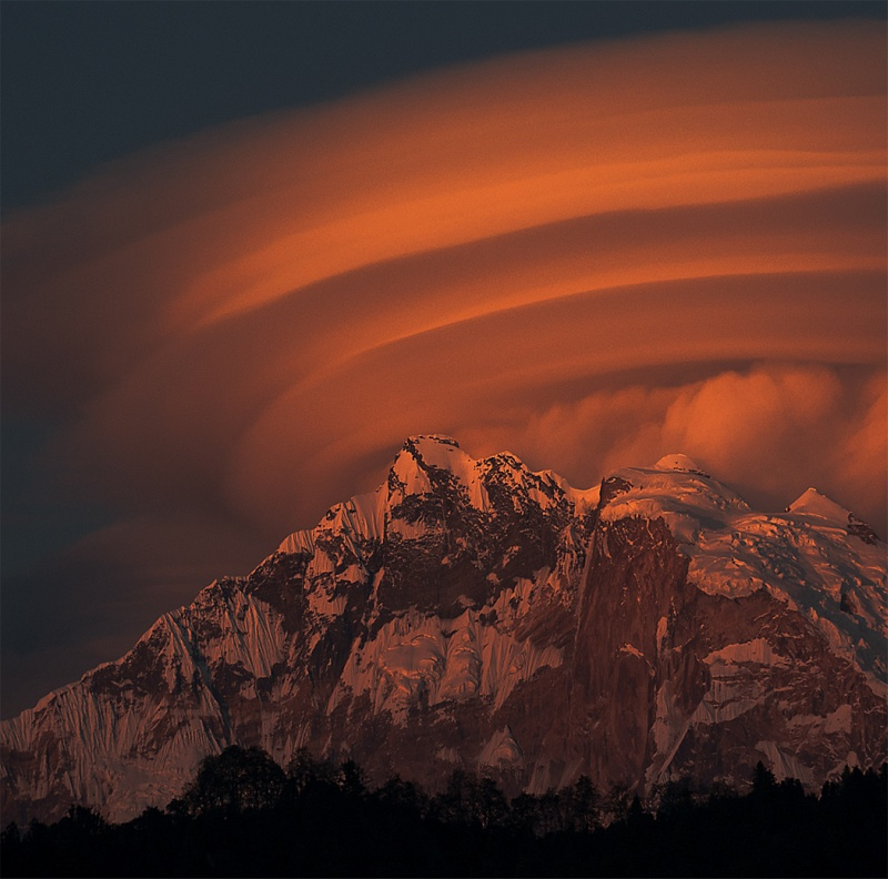 03 Lenticular Cloud Over Annapurna Fang by Jane Tearle LRPS