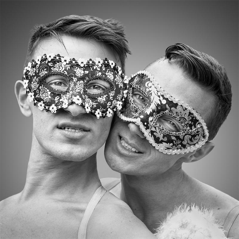 09 Masked Dancers