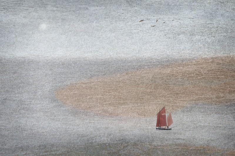 12 Stephen Jones Red Sails