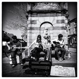 005.Buskers
