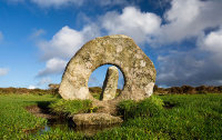 Men-An-Tol Holed Stone - 2