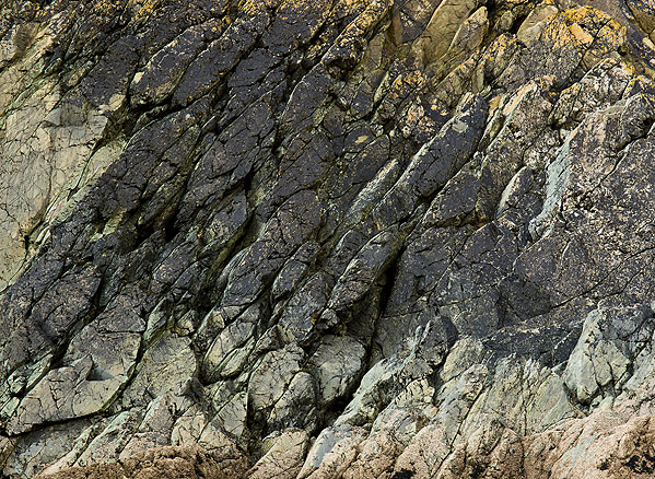 Pillow Lava - Great Perhaver Point (S22)