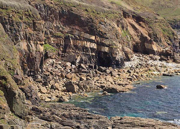 Granite Sills - Tremearne Cliff - 1 (S16)