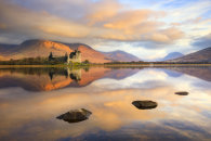 FIRST LIGHT ON KILCHURN CASTLE