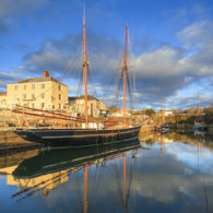 COASTER Harbour Reflections (Charlestown)
