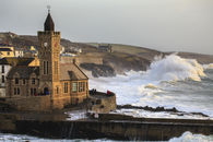 INCOMING WAVE (Porthleven)