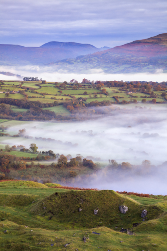 MIST IN THE USK VALLEY