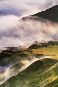 LIFTING CLOUDS (Peak District|)