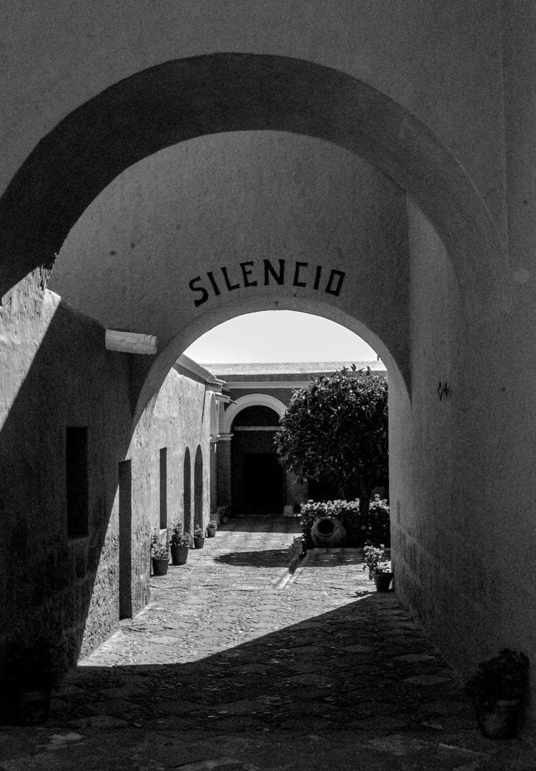 """""""Silencio"""""""