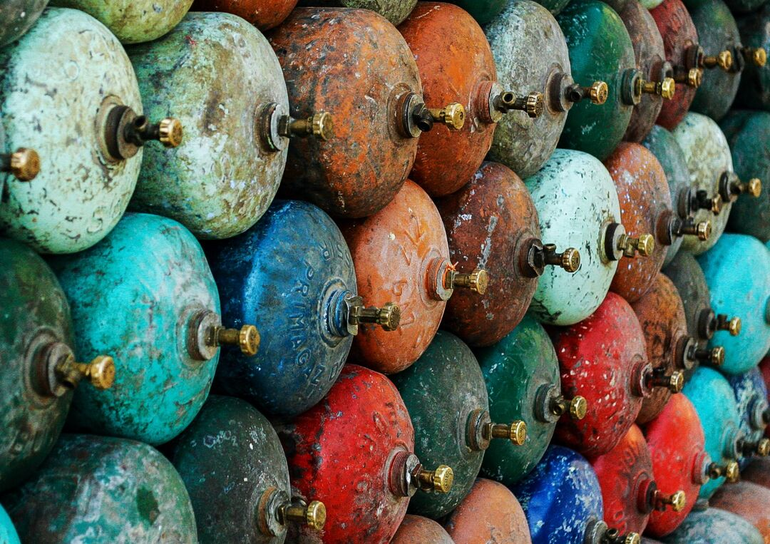 Gas in pastel, Chefchaouen, Morocco