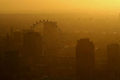 Smoggy London Town
