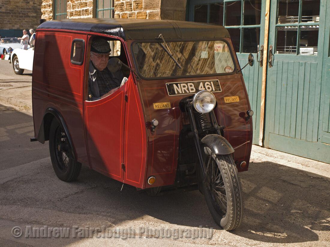 Reliant Regent Van (1948)