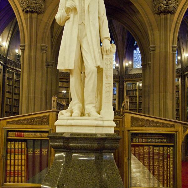Statue of John Rylands