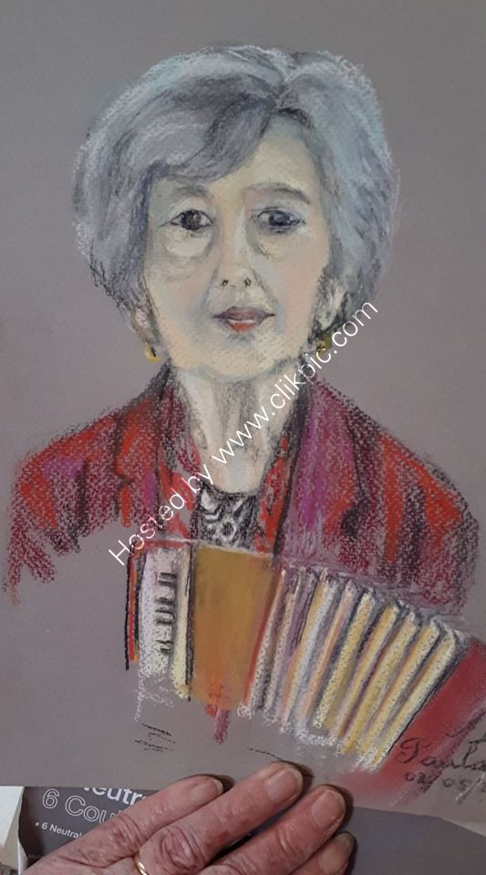 Paula brought her piano accordion
