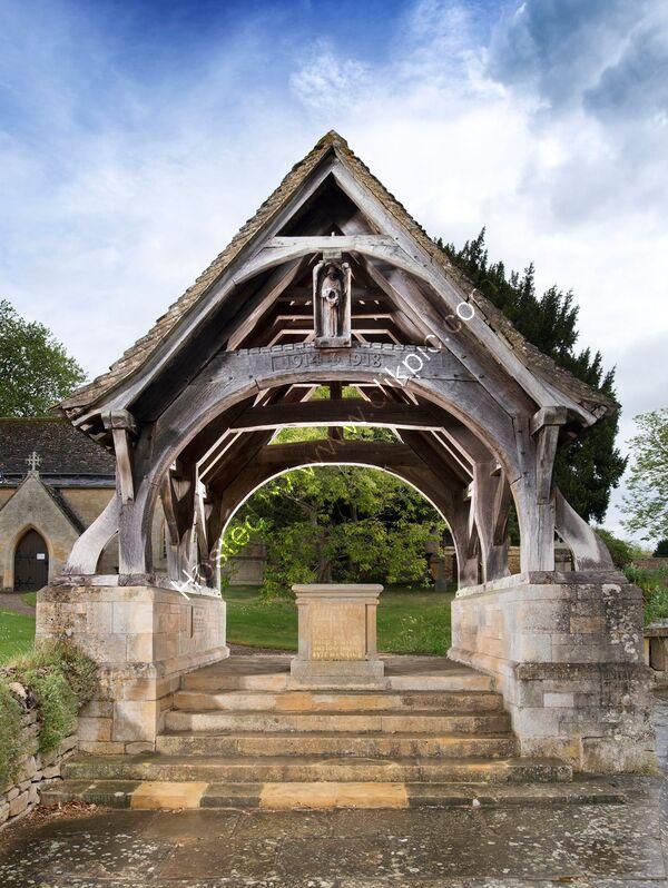 Overbury lynch gate