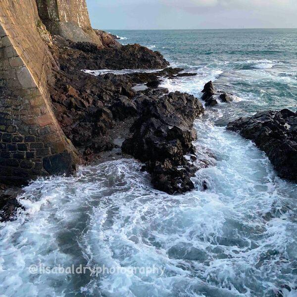 Nature vs architecture : Tide