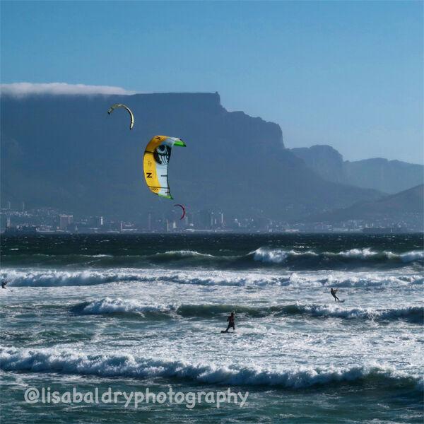 Nature & Activity : Kite Surfing