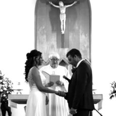 The season is still going to say 'I Do' ... wedding bliss!