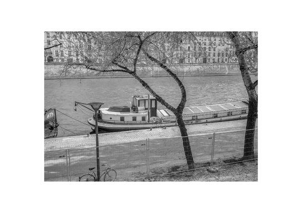 Paris - Au bord de la Seine