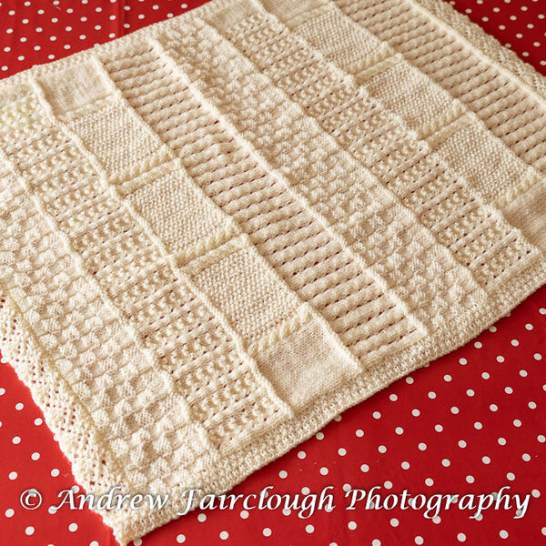 Multi Patterned Two Edges Lace Two Edges Ribbed in Cream Shimmer Yarn.