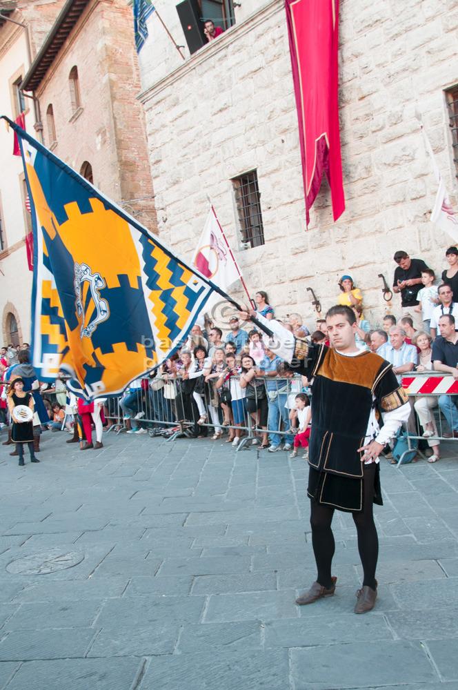 Montepulciano Flag Bearer