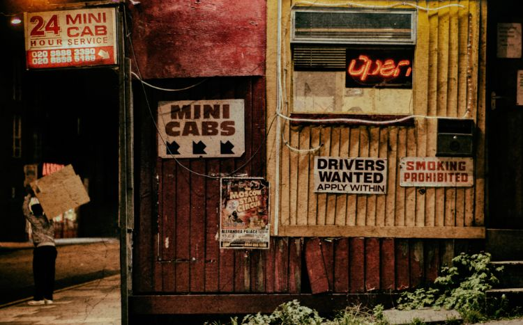 Wood Green Minicab office