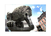 Aachen Bahkauv Statue