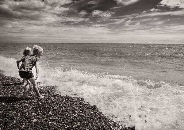 Sea stone skimming finals
