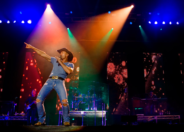 Tim McGraw at CMC Rocks the Hunter