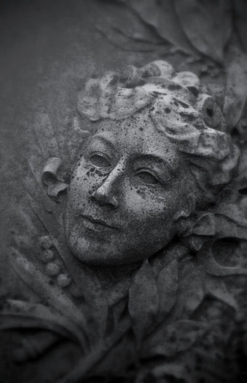 DETAIL OF A LADY