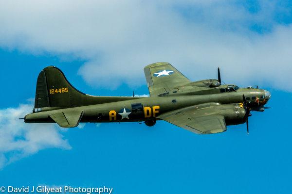 B17 Flying Fortress 'Sally B'
