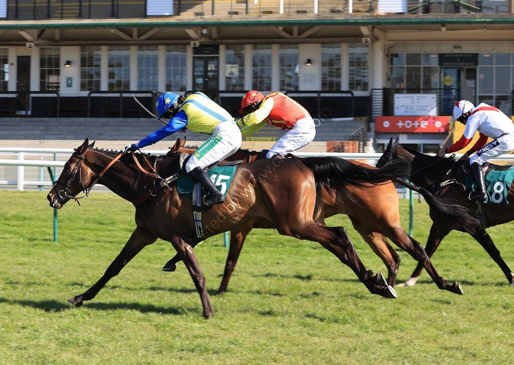 Racing TV.com Standard  Open NH Flat Race