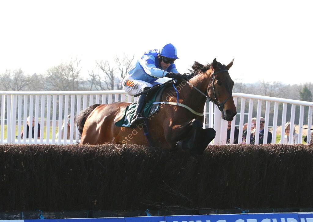Olly Murphy Racing H'cap Chase
