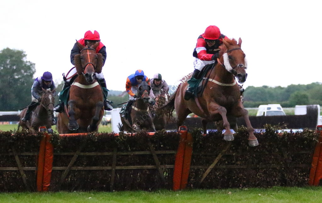 Agetur UK Amateur Riders' H'cap Hurdle.