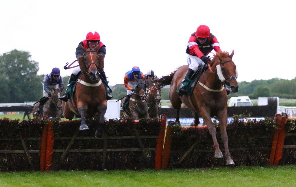 Agetur UK Amateur Riders' H'cap Hurdle.