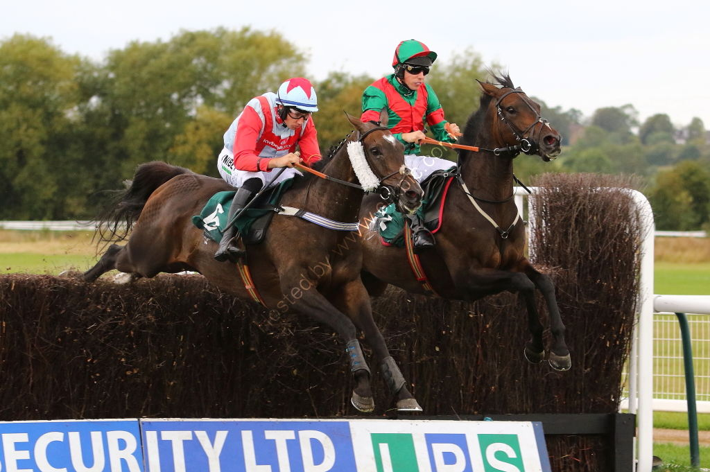Racing TV Novices' H'cap Chase